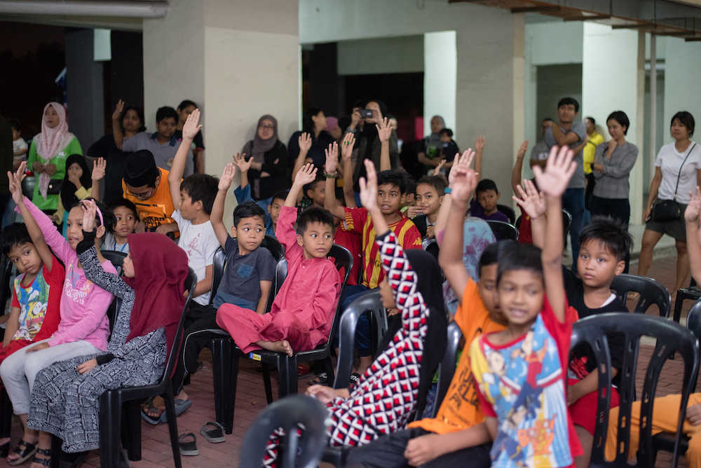 Community Screening of DEMI PAYMITRA at the low cost People's Public Housing in Subang